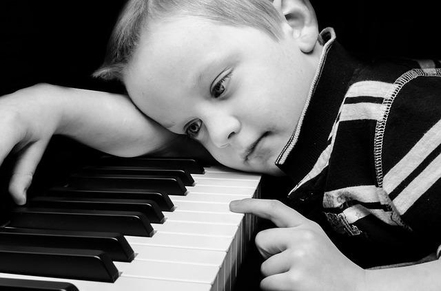 Tenter le piano à 8 ans