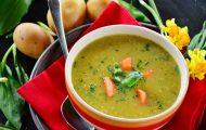 Soupe de légumes colorée