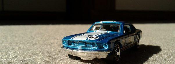 Voiture Hot Wheels bleue