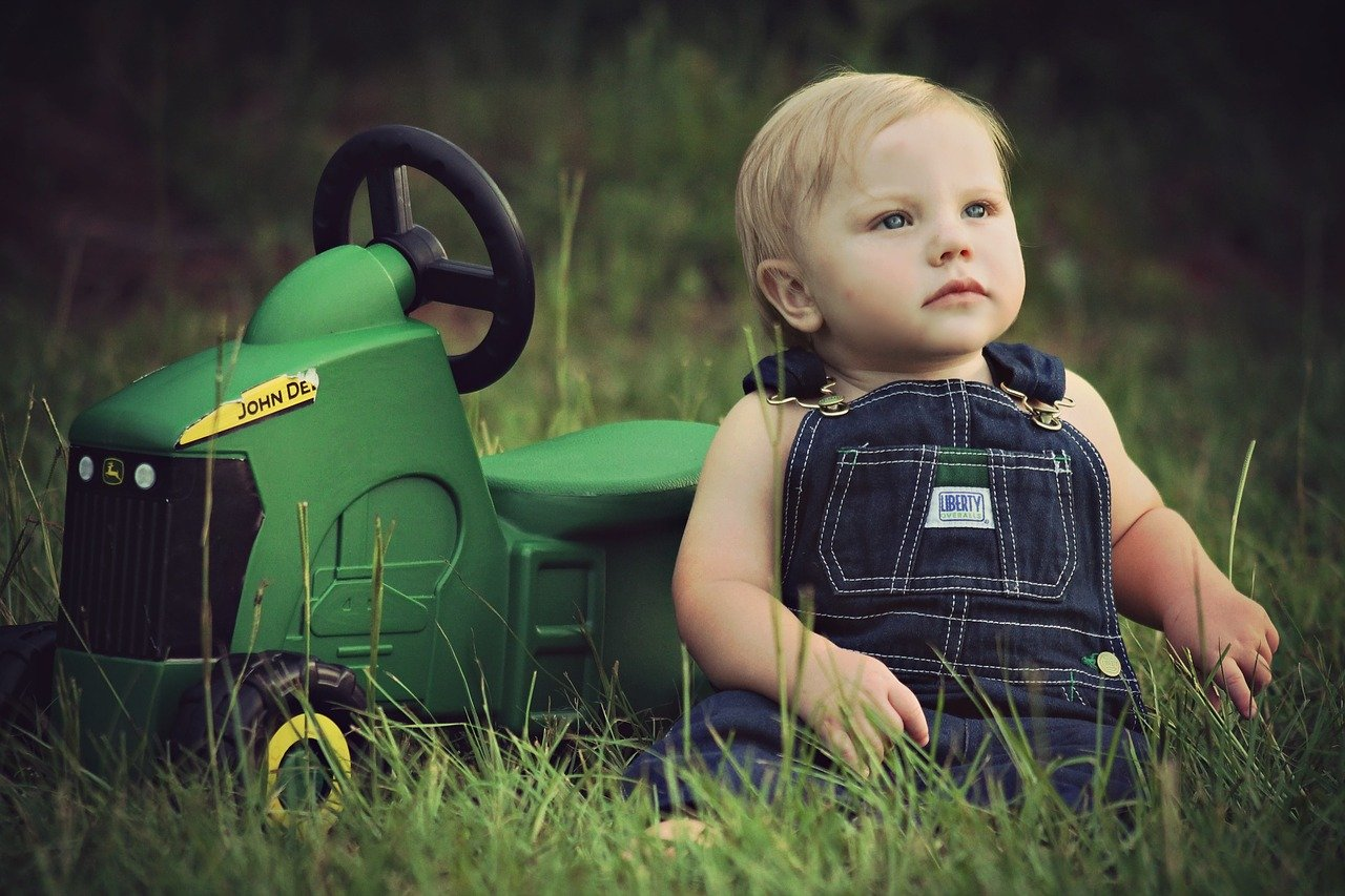 Tracteur à pédale